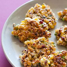 These little Crispy Corn Cakes are such a great appetizer. They are really crispy and a onion gives it such a great taste.