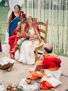 indian wedding Rustic Indian Fusion Wedding in Wisconsin Cute Wedding Ideas, Trendy Wedding, Wedding Inspiration, Wedding White, Luxury Wedding, Dream Wedding, Wedding Rustic, Elegant Wedding, Perfect Wedding