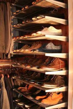 How to : Organize a Men& Closet ? We will covering all the details on how to organize your gentleman& closet from suits, shirts, ties, belts to your shoes Men Closet, Walk In Closet, Shoe Closet, Closet Mirror, Closet Doors, Small Closets, Dream Closets, Closet Bedroom, Closet Space