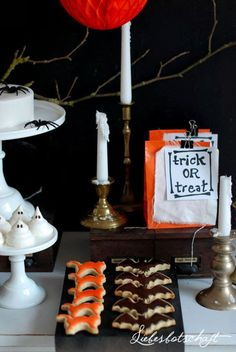 Liebesbotschaft: Halloween sweet table