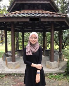 Hijabi Girl, Girl Hijab, Beautiful Muslim Women, Beautiful Hijab, Indonesian Girls, Muslim Girls, Girl Photography, Hijab Fashion, Trendy Outfits