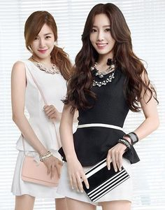 Tiffany & Taeyeon = Taeny <3 :D Can I be the one to say they look good/even hot in this pic? Haha
