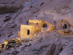 A Spotlight Illuminates Ancient Anasazi Ruins