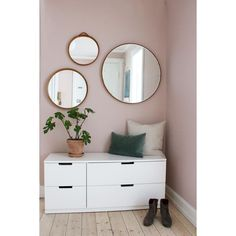 Round mirrors and the perfect pink ? Our hallway is still missing the final touches. Like this bench th Round mirrors and the perfect pink ? Our hallway is still missing the final touches. Like this bench that we have been debating whether… - - Hall Mirrors, Round Mirrors, Hallway Mirror, Mirror For Bedroom, Ikea Hallway, Hallway Wallpaper, Wallpaper Ideas, Decor Room, Living Room Decor
