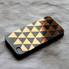Decorate your phone with self-adhesive copper plastic. Easy and fun! Swedish blog.