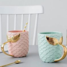 Seas The Day Mermaid Gold Tail Mug - Luxurious coffee mug for mermaids. Shaped like mermaid& scales which makes it extra cute. What better way to start the day than with coffee or t. Cute Coffee Mugs, Cool Mugs, Coffee Cups, Coffee Coffee, Coffee Time, Drinking Coffee, Tea Mugs, Coffee Break, Morning Coffee