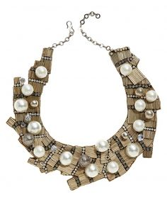 How can you DIY an Oscar de la Renta statement necklace? Some bugle beads, rhinestone cup chain, pearls, E6000... a little difficult, but doable!
