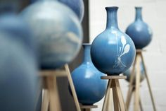Blueware vases by Studio Glithero colored by cyanotypes, a process of capturing direct impressions of botanical specimens on earthenware, using chemicals sensitive to light. Ceramic Clay, Ceramic Vase, Ceramic Pottery, Fire Drawing, Royal College Of Art, Assemblage, Lampshades, Botanical Prints, Earthenware