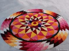 Easy Rangoli Designs Diwali, Rangoli Designs Flower, Rangoli Ideas, Diwali Rangoli, Rangoli Designs Images, Flower Rangoli, Beautiful Rangoli Designs, Simple Rangoli, Flower Designs