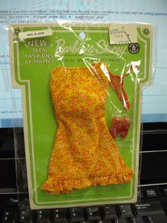 """1968 Barbie Pak """"Sunshiner"""" in Tutti """"Cookin' Goodies"""" Variation ALL of these Paks came with red pointy toes!"""