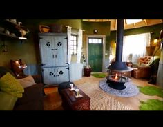treehouse masters irish cottage sitting area with central fireplace my favorite treehouses pinterest irish cottage sitting area and treehouse - Treehouse Masters Irish Cottage