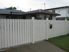 Picket Timber Fence - Down 2 Earth Fencing, Fencing Construction, Oxenford, QLD, 4210 - TrueLocal