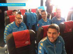Napoli 1926 Amore Infinito ✈In partenza per Madrid!  #RealMadridNapoli #UCL  ⚽ #ForzaNapoliSempre #NAI1926 #SSCN 🇮🇹 🇪🇸 Aspettando #RealMadridNapoli