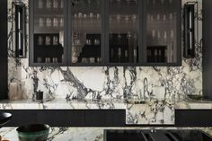 If you want to go BOLD, magnificent marble kitchen - Buster + Punch Old Town Apartments, New York Brownstone, Modern Kitchen Renovation, Kitchen Remodel, Different Architectural Styles, Outdoor Kitchen Cabinets, Kitchen New York, Studio Kitchen, Kitchen Design