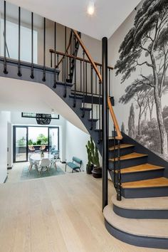 diy home 18788523432273171 - L'ancien escalier comme élément structural Source by pauline_ram Home Stairs Design, Interior Stairs, Stair Design, Foyer Design, Casa Milano, Stair Renovation, Architecture Renovation, Escalier Design, Staircase Makeover