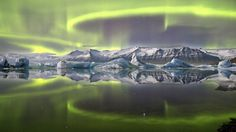 Jaw-dropping Aurora View Wins 2014 Astronomy Photo Contest This overall winning photo shows a green aurora above a glacial lagoon in Iceland. Credit: Aurora over a Glacier Lagoon © James Woodend (U. Earth And Space, Photography Competitions, Photography Awards, Photography Exhibition, Aurora Borealis, Astronomy Photography, Astronomy Pictures, Science Photos, Science Gallery