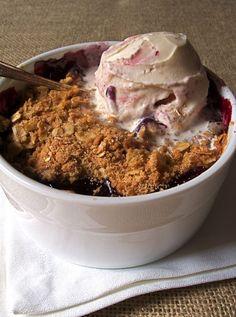 Blackberry Crisp w/ Vanilla Ice Cream
