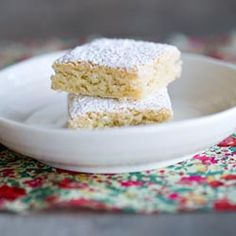 These little almond cakes can be found on the windowsills of pastry shops in Santiago de Compostela, Spain. Ferran Adria's recipe.