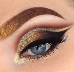 Check out this #CatEye perfection!  : @vanraebeauty #Makeup
