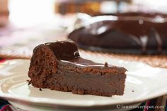 Mexican flourless chocolate cake : http://laurassweetspot.com/2012/08/24/mexican-flourless-chocolate-cake/#