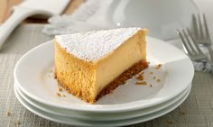 Need a divine cheesecake recipe? Try this New York cheesecake recipe for a delicious baked treat today. Stork – love to bake. Food Network Uk, Food Network Recipes, Cheesecake Recipe Uk, Homemade Cheesecake, Classic Cheesecake, Great Desserts, Homemade Cakes, Popular Recipes, Yummy Snacks