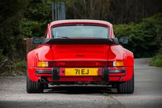 1989 Porsche 911 (930) Turbo 'Flachbau' - Silverstone Auctions 1989 Porsche 911, Porsche 930 Turbo, 911 Turbo, Benz S, Dream Machine, Mercedes Benz, Earth, Spaces, Photography