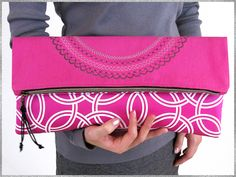 Fold-over, Zippered Clutch with Circular Decorative Stitching: Skyline S5   Sew4Home