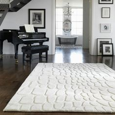 Výsledek obrázku pro kožešinový koberec