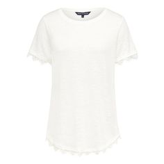 Add a touch of romantic femineity to your basics wardrobe with the lace scallop tee.   Featuring scalloped lace edging on sleeve and hem, it is perfect to dress up any outfit. Body: 100% Linen Trim: 100% Polyamide