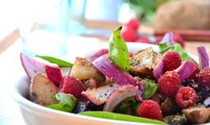 Do you like #salad ? Try #raspberrysalad with #honey vinaigrette yourself for better taste with our easy to make Veggiebasics tips  #veggiefoodrecipes #recipes #recipetips