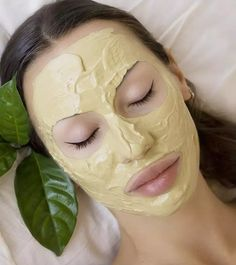 How To Use Multani Mitti For Acne Overnight Pimple Remedies, Pimples Remedies, Skin Care Remedies, Easy Homemade Face Masks, Homemade Face Pack, Beauty Tips For Face, Beauty Skin, Acne Treatment, Skin Treatments