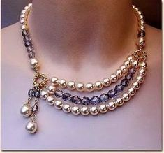 This design with chain instead of pearls Bead Jewellery, Pearl Jewelry, Wire Jewelry, Jewelry Crafts, Beaded Jewelry, Jewelery, Jewelry Necklaces, Handmade Jewelry, Beaded Bracelets