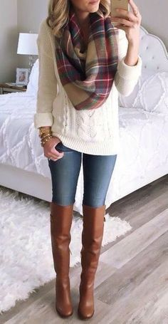 18 Cozy Winter Outfits To Wear This Season! 2019 HAVE I have pretty much all the pieces of this outfit (jeans brown boots white sweater plaid scarf) and I love it! The post 18 Cozy Winter Outfits To Wear This Season! 2019 appeared first on Sweaters ideas. Mode Outfits, Fashion Outfits, Womens Fashion, Scarf Outfits, Fashion Ideas, Outfits 2016, Ladies Fashion, Fashion Boots, Fashion Clothes