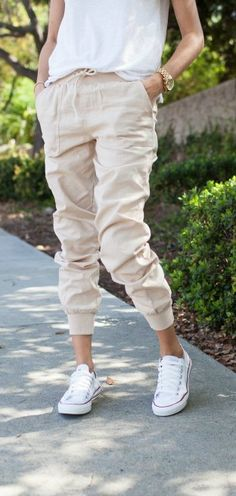Joggers styled 2 ways - check it out! (Kailee Wright)