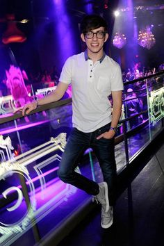 Posted Up    Kevin McHale spared no expense for his buddy's bachelor party on April 14, showing his pal of over 10 years a great time at Chateau Nightclub & Gardens at Paris Las Vegas.