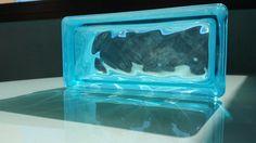 Pavés Ondulado Transparente en color aguamarina, en el cual se puede ver como traspasan los rayos de sol dejando ver sus bonitas ondas internas.