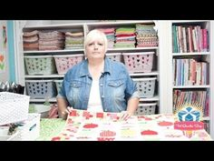 Learn how Lori Holt of Bee in my Bonnet sews her quilty back pockets to make hanging quilts a breeze! Watch this quilting tutorial!