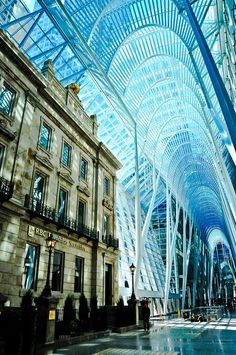 Allen Lambert Galleria at Brookfield Place in Toronto // architect: Santiago Calatrava Santiago Calatrava, Architecture Unique, Futuristic Architecture, Interior Architecture, Toronto Architecture, Brookfield Place, Toronto Ontario Canada, Amazing Buildings, Places