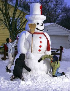 Wow! Ten-foot-tall snowman - Grand Rapids, Michigan.