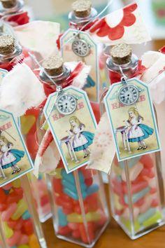 Alice in wonderland..rad idea for birthday