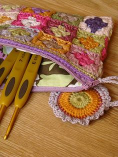 """I love the Pull on this """"Little Granny Hook Case""""...no pattern though."""