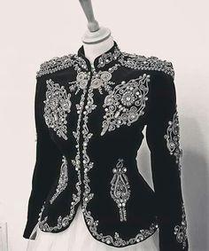 Hijab Fashion, Fashion Outfits, Womens Fashion, Cute Skirt Outfits, Elfa, Iconic Dresses, Moroccan Dress, Military Fashion, Traditional Dresses