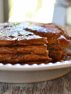 Vegetarian-  Low FODMAP Recipe and Gluten Free Recipe - Gingerbread pancakes with maple syrup   http://www.ibscuro.com/low_fodmap_desserts_gingerbread_pancakes.html
