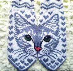 Ravelry: Missy C pattern by JennyPenny Knitting Paterns, Knitting Charts, Knitting Socks, Hand Knitting, Mittens Pattern, Knit Mittens, Yarn Projects, Knitting Projects, Knitted Cat