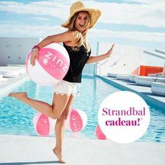 Bedrukte strandballen ZINZI geleverd! Groot formaat en in eigen PMS kleur. https://www.vanslobbe.nl/nl/kinderen-spellen/opblaas-artikelen/strandballen/strandballen