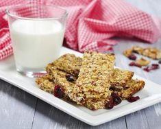 Barre de céréales aux fruits rouges et aux graines : http://www.fourchette-et-bikini.fr/recettes/recettes-minceur/barre-de-cereales-aux-fruits-rouges-et-aux-graines.html