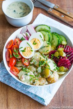 Salade de Pommes de Terre aux Herbes Food For Love, Tasty, Yummy Food, Food Items, Cobb Salad, Broccoli, Entrees, Healthy Life, Salads