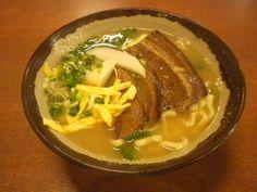 「沖縄そば ガッツ食堂」の味噌そば(小)