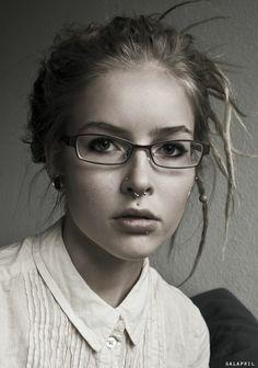 beautiful. And damn, I really want a septum piercing. http://media-cache1.pinterest.com/upload/64950419595466963_VixeAH8W_f.jpg vee_villegas style