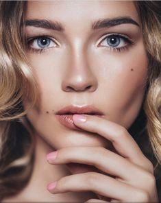 Você é louca por maquiagem? Então vai adorar conhecer as tendências para a primavera, o destaques são os lábios impactantes, marcados por batons coloridos.